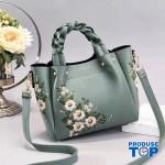 Geanta eleganta cu maner impletit verde cu flori brodate Florina ACGD097