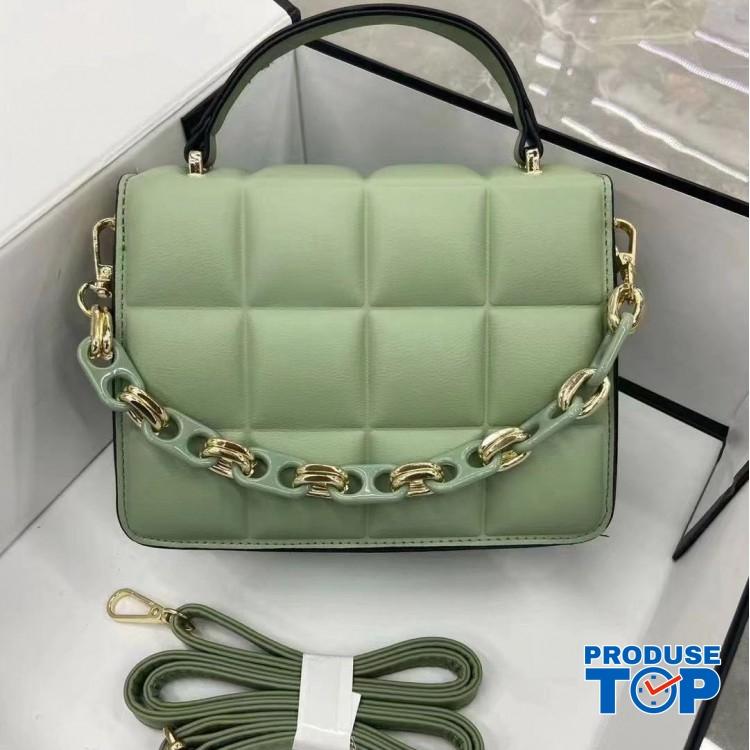 Geanta din piele eco verde cu design patrate fashion si bareta cu lant ACGD230