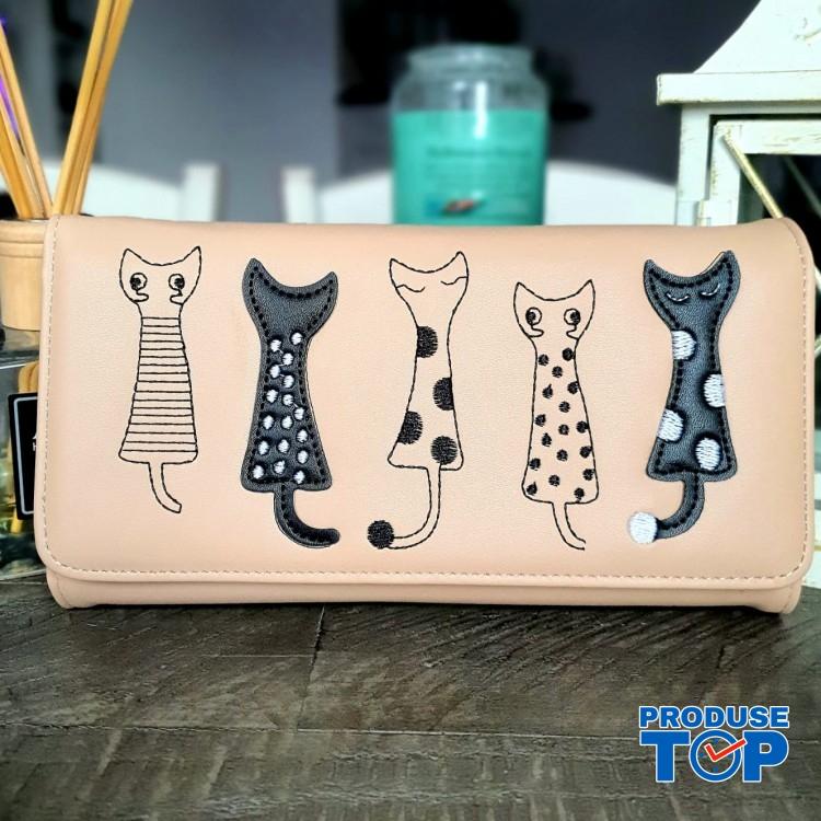 Portofel tip clutch dama crem din piele ecologica si design pisicute acpt009