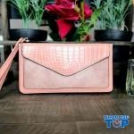 Portofel elegant tip clutch roz cu buzunar exterior din piele ecologica acpt010