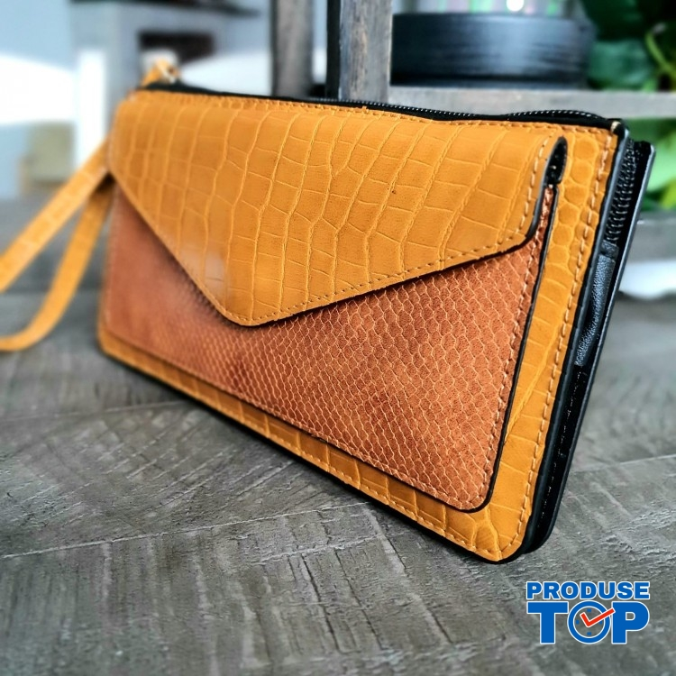 Portofel elegant tip clutch galben cu buzunar exterior din piele ecologica acpt010